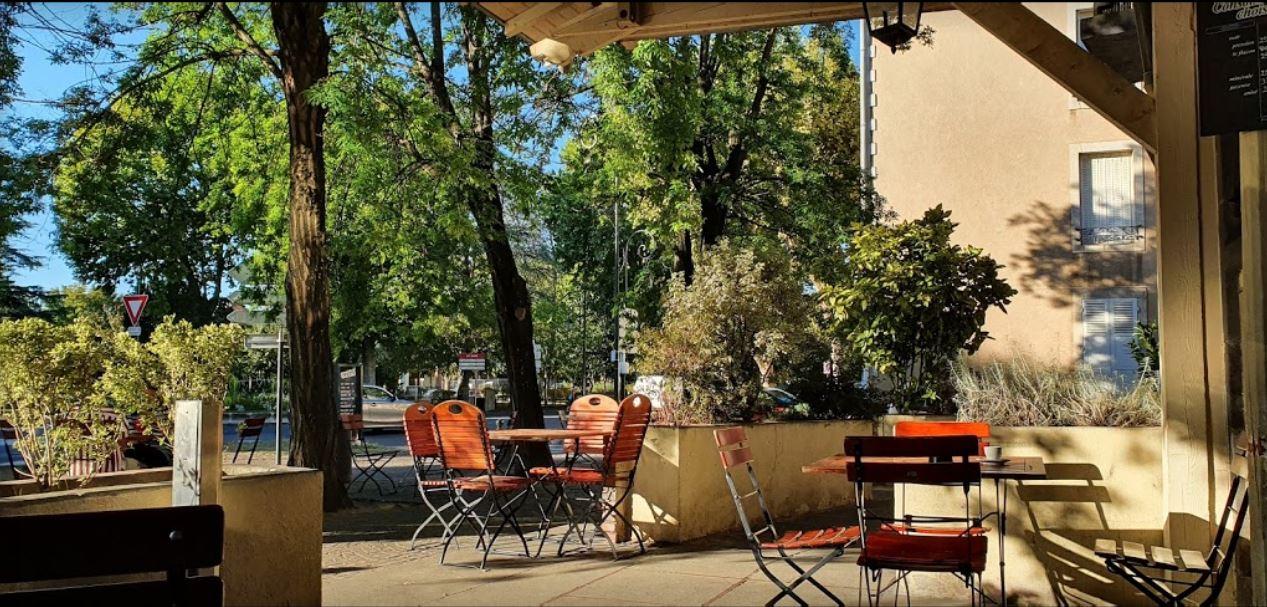La terrasse du Petit Bonheur